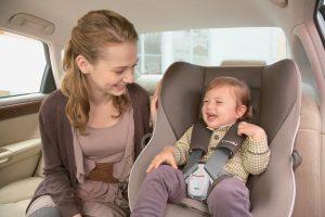 Khi đi du lịch cùng gia đình có nên dùng nước hoa ô tô
