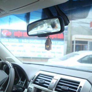 Tinh dầu treo xe Areon trên xe Lexus