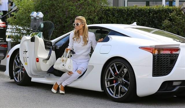 Hotgirl-car