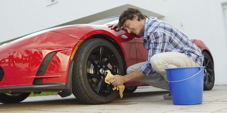 Bộ dụng cụ rửa xe ô tô tại nhà