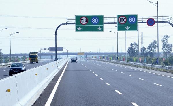 5 điều cần ghi nhớ khi lái xe trên đường cao tốc