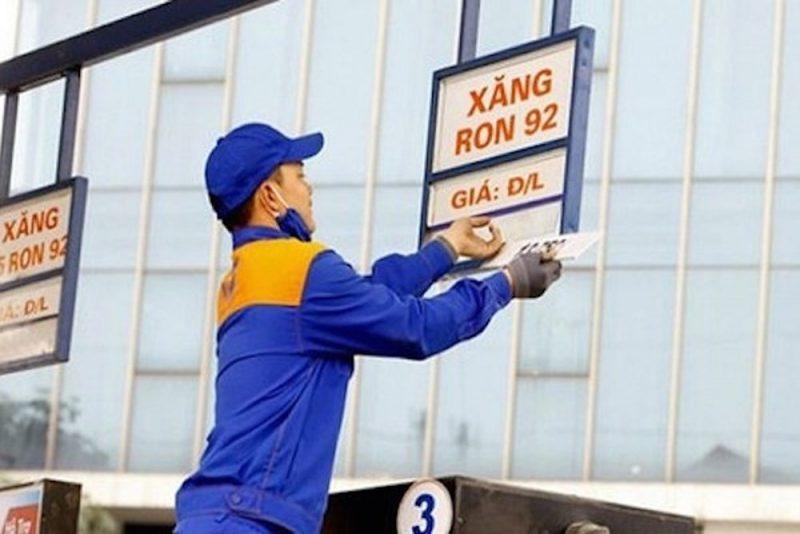 Bộ Tài chính vẫn đề xuất tăng thuế môi trường xăng dầu lên mức kịch trần 4.000 đồng