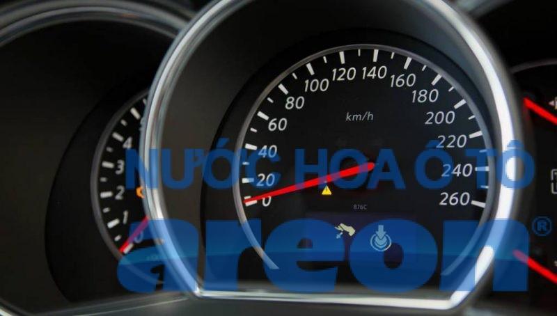 xe bị hụt hơi khi tăng tốc