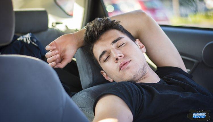 Cách để ngủ trong xe ô tô sao cho an toàn và thoải mái nhất